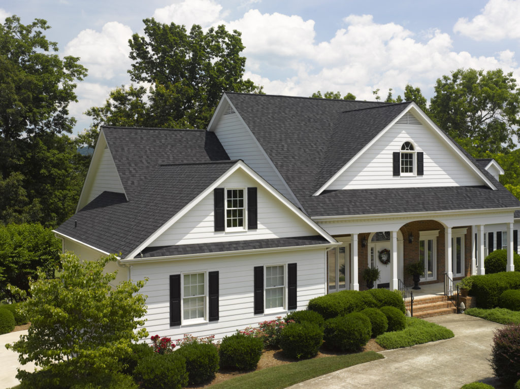 Vinyl Siding Cleaning Tips to Follow